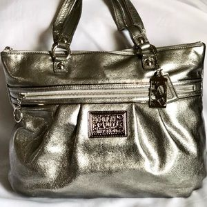👜Authentic Coach Poppy Glam Tote Metallic Silver!